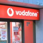 India Desire : Vodafone Rs 352 Plan Offer→ Get Unlimited Calls, 1GB/Day 4G/3G Data For 3 Months @ Rs 352 [Students Offer]